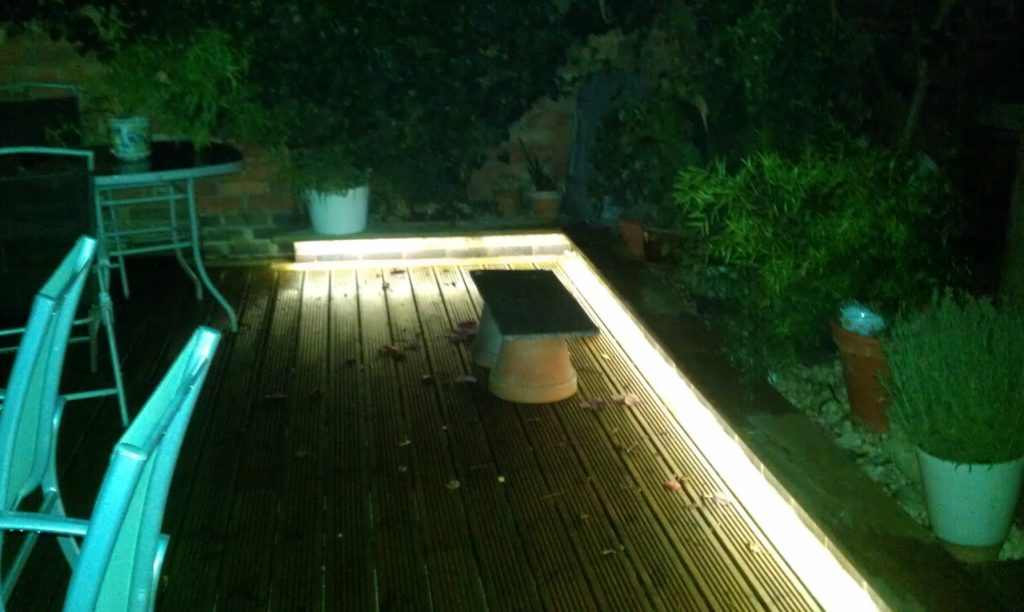 Light up your garden with led lights instyle led for Garden lights