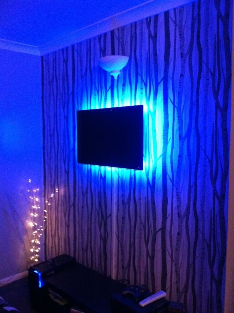 light up your tv using rgb led strips instyle led. Black Bedroom Furniture Sets. Home Design Ideas