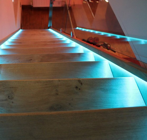 Exceptionnel LED Strips Light Bannister Rail And Stair Tread Edge
