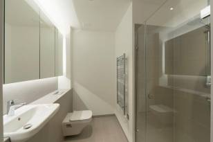 Anello loft apartment bathroom, Camden