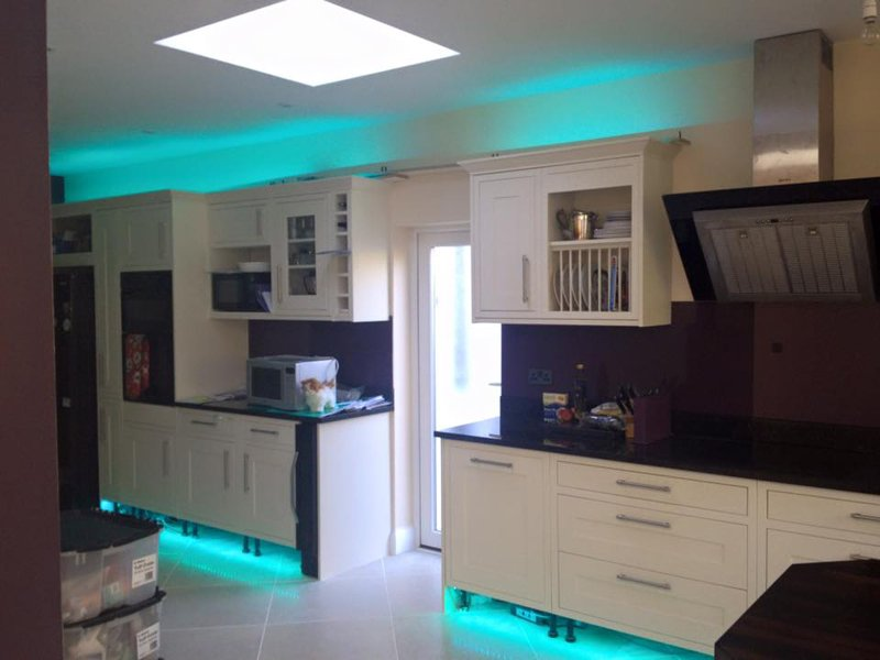 How to position your led strip lights for Kitchen units without plinths