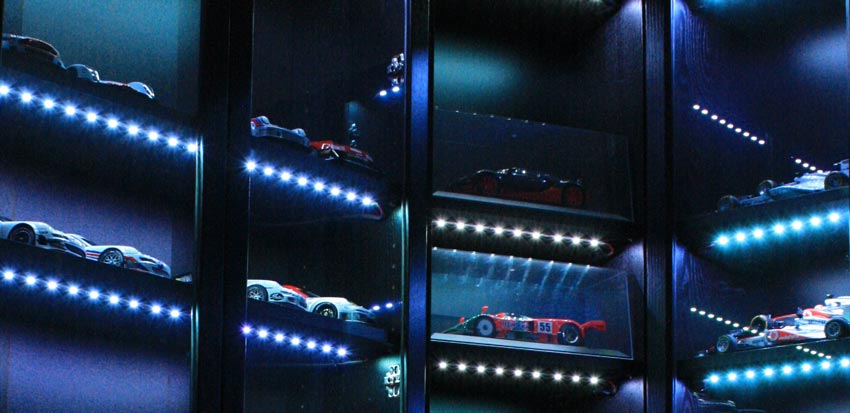 LEDs in auto model display-case