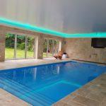 Pool windows - RGBW LEDs mix aquamarine light