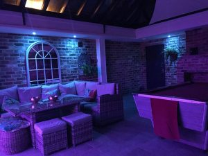 Conservatory with multizone RGBW LEDs - both lighting-zones set to deep purple tone