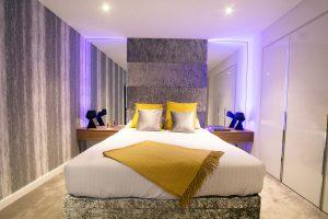 Bedroom RGBW LED highlights set to pastel mauve