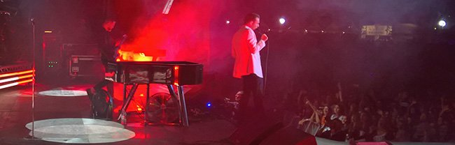 Hurts European Tour uses Custom-built Grand Piano lit by InStyle LEDs