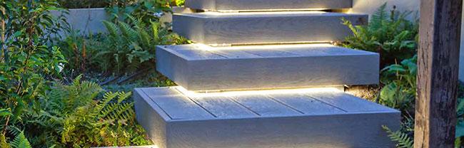 Modern Gardens & LED Lights for Dark Evenings